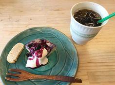 ベリーのチーズケーキと穀物コーヒー #vegan #vegetarian #vegansweets #vegansofjapan #vegantakasago #takasago #ヴィーガン #ベジタリアン #動物性不使用 #菜食 #ヴィーガンスウィー#高砂 (Coco-natural)