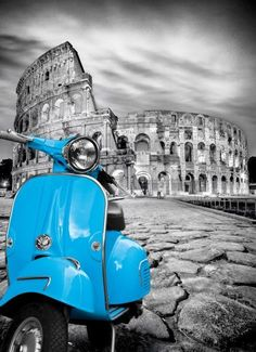 Scooter in front of the Colosseum Splash Photography, Color Photography, Black And White Photography, Street Photography, Black And White Colour, Black And White Pictures, Vespa, Vintage Images, Vintage Posters