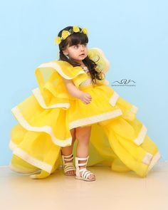 Cute Baby Girl Photos, Beautiful Baby Pictures, Cute Little Baby Girl, Cute Kids Pics, Cute Girl Photo, Beautiful Kids, Baby Dress Design, Baby Girl Dress Patterns, Cute Baby Dresses