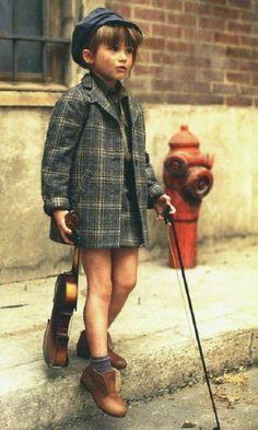 kid with violin..