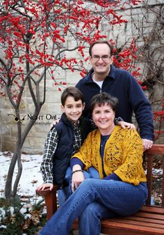 Family Photos - family of three (3) pose - Kauffman Gardens - Kansas City : www.nightowlphotokc.com #nightowlphotokc #kcphotographer #kcfamilyphotographer