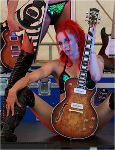 Belvoir Guitars Serval LP Serval, Lp, Guitars, Punk, Beautiful, Style, Fashion, Swag, Moda