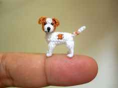 Jack Russell Terrier - Tiny Crochet Dog Stuffed Animals - Made To Order Artist SuAmi creates cute little sculptures in crochet. She reproduces animals at miniature scale of two centimeters. A meticulous and detailed work. Crochet Amigurumi, Crochet Bunny, Crochet Animals, Crochet Toys, Amigurumi Toys, Stuffed Animals, Jack Russell Terriers, Wooden Bead Necklaces, Wooden Beads