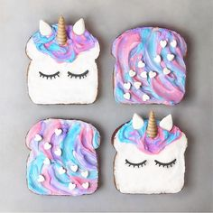 Breakfast ideas toast We offer you Unicorn tips about anything involved with Unicorns and Mermaid, including tips for unicorn gift ideas, crafts, and magical unicorn food You will never seen unicorn toast like this Yummy Treats, Delicious Desserts, Sweet Treats, Dessert Recipes, Yummy Food, Party Recipes, Party Snacks, Unicorn Birthday Parties, Unicorn Party