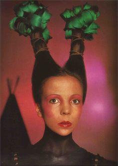 Penelope Tree Vogue Italia June 1970.  Photography: David Bailey  Make-up: Serge Lutens -Dior Hair Design: Aldo Coppola