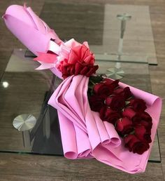 1 million+ Stunning Free Images to Use Anywhere How To Wrap Flowers, All Flowers, Amazing Flowers, Beautiful Roses, Beautiful Flowers, Flower Boquet, Bouquet Wrap, Red Rose Flower, Rose Bouquet
