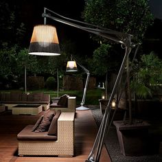 SuperArchimoon Outdoor: Discover the Flos outdoor lamp model SuperArchimoon Outdoor