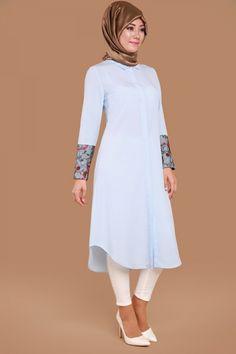 Manşet Dantel Detay Tunik Bebe Mavi Ürün Kodu: UKB5006 --> 59.90 TL Muslim Fashion, Hijab Fashion, Mode Hijab, Embellished Dress, Anarkali Suits, Tunic Blouse, Lovely Dresses, The Dress, Dress Outfits