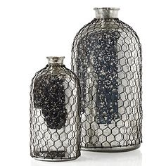 10 Hot Wedding Trends for 2013--#6 Chicken Wire: vases (www.3d-memoirs.com) #chicken wire #weddings