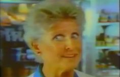 Ann B. Davis is pretty much playing Alice in this commercial for Shake 'N Bake