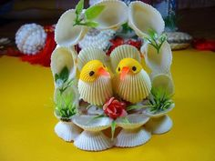 Risultati immagini per shell animals craft Sea Crafts, Easy Diy Crafts, Diy Arts And Crafts, Diy Craft Projects, Seashell Ornaments, Seashell Art, Seashell Crafts, Shell Animals, Seashell Projects