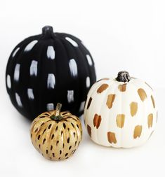 40 Creative Pumpkin Painting Ideas for a No-Mess Halloween Try these creative pumpkin decorating ideas for a no-mess Halloween! Pumpkin Face, Diy Pumpkin, Pumpkin Crafts, Pumpkin Carving, Pumpkin Ideas, Carving Pumpkins, Gold Pumpkin, Pumpkin Designs, Fall Pumpkins