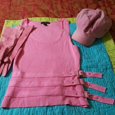 Pink sleeveless top Really cute scoop neck top with vertical ribbing. Accented with three bands with silver buckles at the bottom. By Company D. Tops
