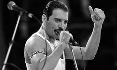 Freddie Mercury.. https://scandallos.wordpress.com/2015/09/05/en-el-nombre-del-rock/
