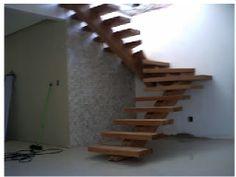 Escada Espinha de Peixe de madeira
