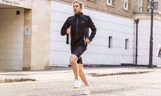 """Saucony has even named its latest shoe collection """"White Noise"""" after the mind-clearing effects of a run Sport Fashion, Fitness Fashion, Indoor Track, Before Running, Soccer Outfits, Sports Illustrated Models, Basketball Funny, Runner Girl, Si Swimsuit"""