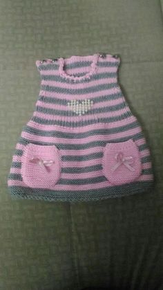 – Knitting patterns, knitting designs, knitting for beginners. Knit Baby Dress, Knitted Baby Cardigan, Knitted Hats, Baby Knitting Patterns, Baby Patterns, Hand Knitting, Diy Crafts Knitting, Diy Crafts Crochet, Baby Booties Free Pattern
