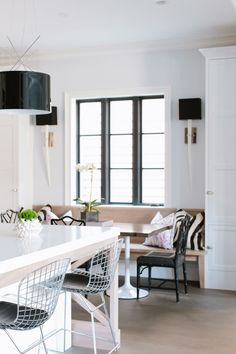Integrated banquette_Lakewood_Jean Stoffer