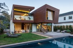 Archiemons • Michael Kovac Designs A New House In Santa Monica
