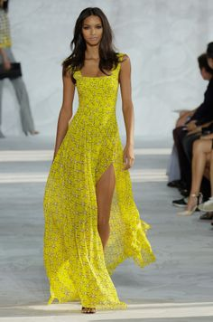 Model Lais Ribeiro slayed in this yellow maxi dress that works perfectly for the Fall. http://hellobeautiful.com/playlist/dvf-nyfw-naomi-campbell/item/2743210