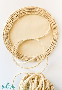 How to make a nautical rope charger, just like the ones you see at Pottery Barn and other high end home stores, for just a few dollars. Rope Crafts, Dyi Crafts, Arts And Crafts, Pottery Barn Style, Nautical Rope, At Home Store, Dollar Stores, Rustic, Charger