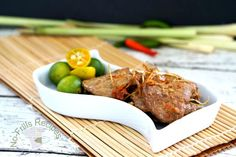 No-Frills Recipes ... cooking, baking & excerpts on travel: Panfried Lemon Grass Pork Fillet ~ 香茅煎猪肉片