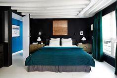 Mooie kleuren combi in sfeervolle slaapkamer   Interieur inrichting