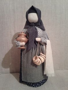 Eslava, Wooden Dolls, Doll Patterns, Doll Clothes, Textiles, Diy Crafts, Sculpture, Knitting, Toys