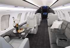 Luxury Private Jets, Private Plane, Emirates First Class, Best Luxury Cars, Dream Life, Luxury Lifestyle, Airplane, Lp, Vehicles