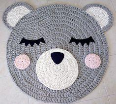 He encontrado este interesante anuncio de Etsy en https://www.etsy.com/es/listing/493467296/oso-crochet-alfombra-alfombra-de-oso