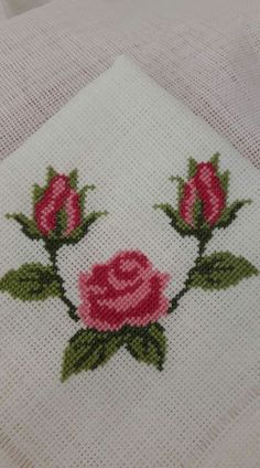 This Pin was discovered by HUZ Cross Stitch Boards, Cross Stitch Rose, Cross Stitch Flowers, Cross Stitch Designs, Cross Stitch Patterns, Crochet Patterns, Embroidery Fabric, Embroidery Designs, Cross Stitching