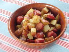 Potato Hash Recipe, Potato Recipes, Hot Dogs And Potatoes Recipe, Potato Dishes, Hot Dog Casserole, Hotdog Casserole Recipes, Potato Casserole, Cheap Meals, Easy Meals