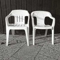 Újra teljes szépségében pompázik a műanyag kerti bútor