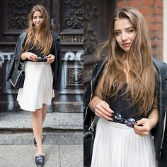 People Around The World, Real People, Tove Lo Cool Girl, Lace Skirt, Leather Skirt, Girl Outfits, Street Style, Skirts, Fashion