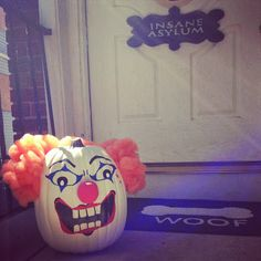 The Crafty Mom : Painted Pumpkin Clown How To