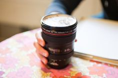 Camera Lens Coffee Cup Thermos - No more boring thermos. This coffee cup is disguised as a camera lens with fantastic attention to detail. Something that will defiantly have your friends intrigued. Camera Lens Mug, Camera Tips, Camera Case, Lente Canon, Genius Ideas, Gifts For Photographers, Canon Lens, Canon Zoom, Finding Nemo