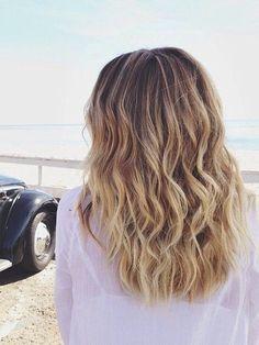 Beachy waves for medium hair.  Hairsyles for 2015 that look simple yet fun.