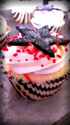 Fame cheerleading Cupcake