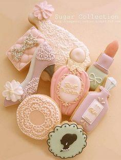 www.weddbook.com everything about wedding ♥ Bridal shower cookies Cookies - lipstick,