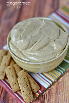 Gingerbread Dip recipe: creamy, fluffy and perfect for the holidays!