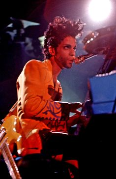 Accgoo Presents : Prince 40 Years in Pictures Prince Images, Pictures Of Prince, Prince Concert, The Artist Prince, Love My Man, Paisley Park, Roger Nelson, Prince Rogers Nelson, Purple Reign