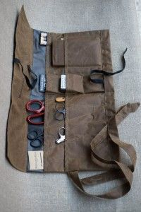 Tailor's Tool Roll The Ultimate Gift! Fully loaded handmade Tailor's tool roll with the very best Merchant & Mills products. <<< I want this so bad I feel sick! Sewing Tools, Sewing Hacks, Merchant And Mills, Tool Roll, Pencil Bags, Schneider, Leather Projects, Tool Storage, Baby Bows