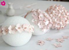 Sabemos que há muitas noivas prendadíssimas que arriscam colocar a mão na massa e fazer detalhes para o próprio casamento. E é pensando em ...