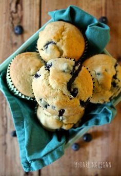 Vegan Blueberry Muffins: These vegan blueberry muffins are soft and sweet with a hint of lemon and fresh blueberries in every bite for the perfect morning or midday snack. - My Darling Vegan Vegan Treats, Vegan Foods, Vegan Desserts, Dessert Recipes, Vegan Sushi, Vegan Tacos, Plated Desserts, Raw Vegan, Vegan Recipes Videos