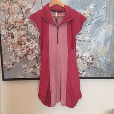Kensie oversized pocket dress Half zip with oversized pockets! Armpit to armpit laying flat is 17. Length 33 Kensie Dresses
