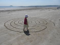 Great instructions on drawing a #labyrinth, a history of labyrinths and a walking meditation