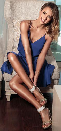 Jessica Alba legs