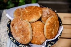 Mormors bästa tekakor | Fredriks fika Snack Recipes, Cooking Recipes, Snacks, Swedish Bread, Grandma Cookies, A Food, Food And Drink, Artisan Bread Recipes, Bread Bun