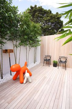 Simple Small space courtyard design