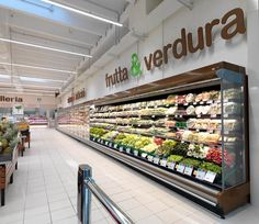 International leader in the design, manufacture and installation of complete equipment for the retail sector. Commercial Kitchen Design, Commercial Interiors, Supermarket Design, Retail Sector, Fruit Shop, Market Displays, Retail Design, Store Design, Grocery Store